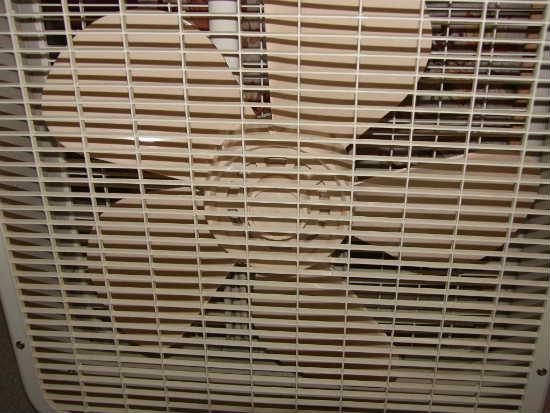 Lakewood Box Fan 20 : Vintage retro lakewood inch box fan beige speed works